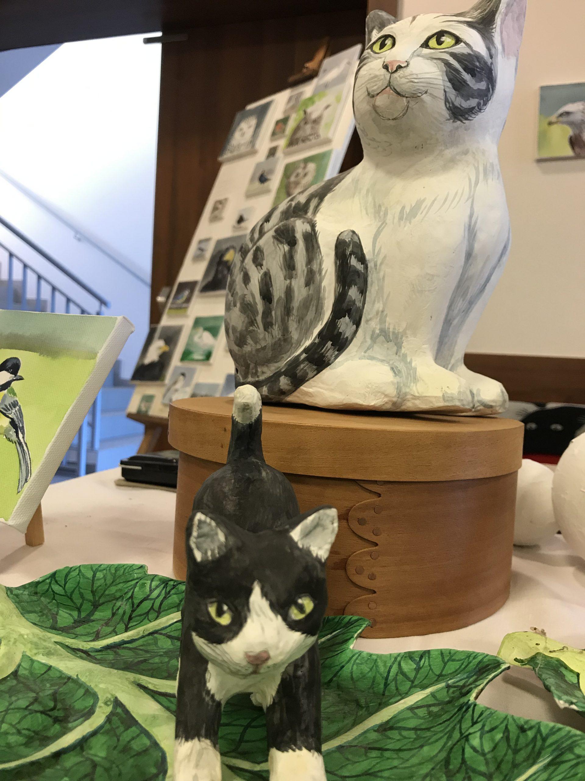 Katzen, Pappmaché(c)kheymach